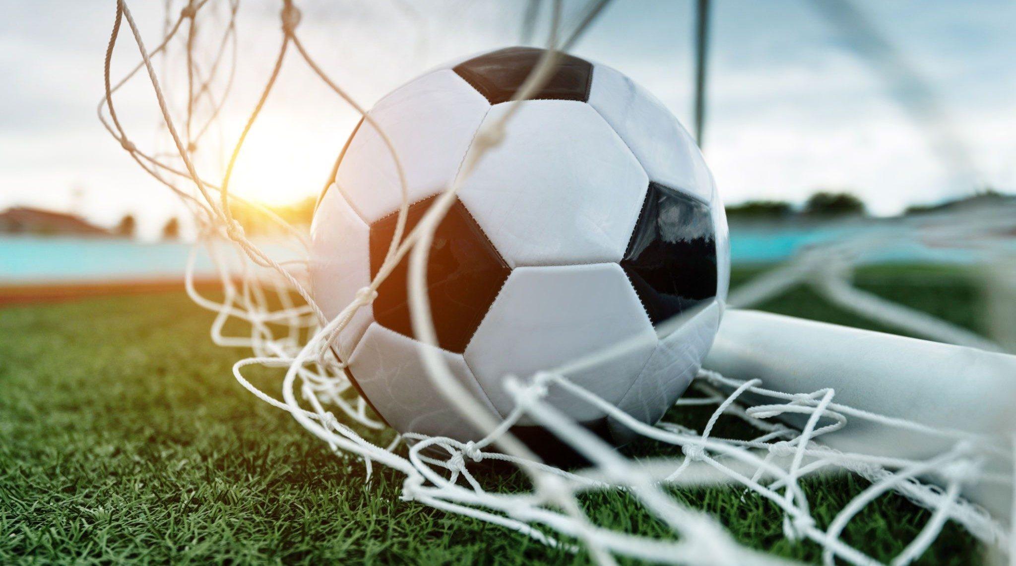 ফুটবল খেলার নিয়ম কানুন   ইতিহাস সহ বিস্তারিত জানুন!